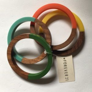 Forever 21 wooden bangle bracelets discontinued
